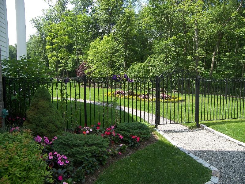 Armentano-pool-gate