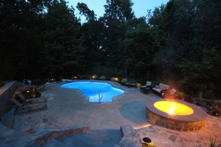 Virgo Residence - pool at night